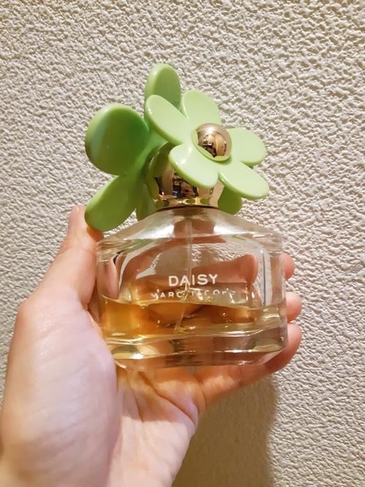 デイジー/オードトワレ 見た目からして華やかなマークジェイコブスの香水