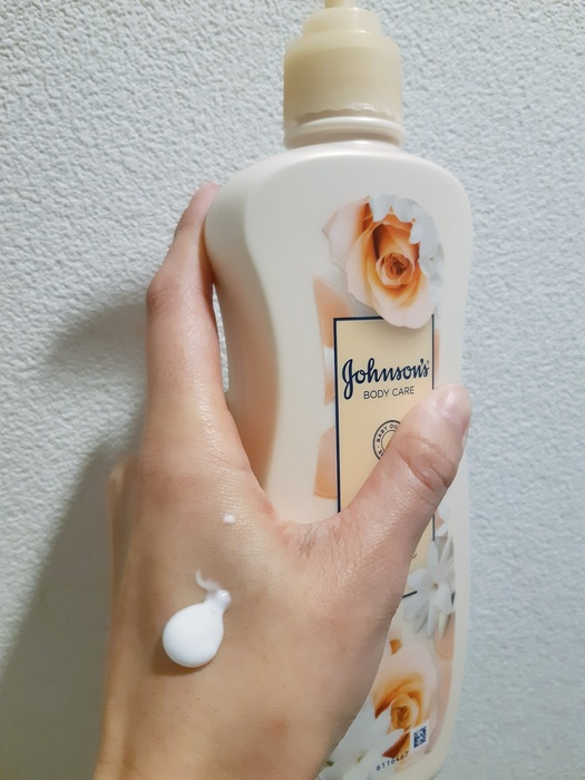 アロマミルク エクストラケア ボディローション ローズとジャスミンの香り|香りの好みが分かれるボディミルク