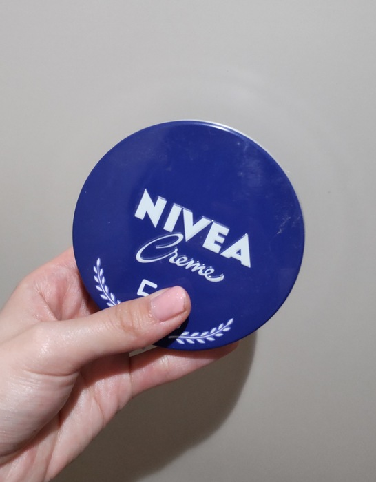 ニベアクリーム(大缶)|脱毛後の保湿に使ってます