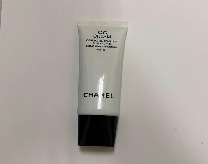CCクリームN 21 カバー力のあるCCクリーム。UV対策もできる。